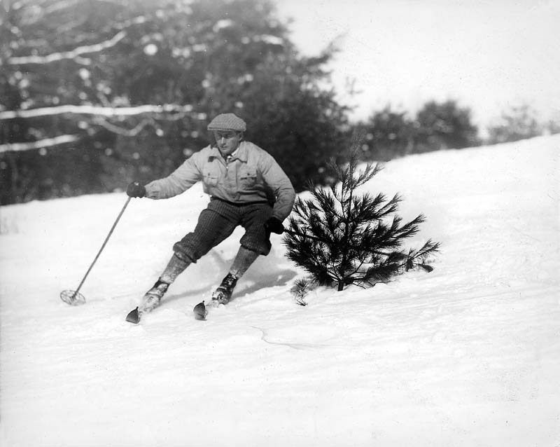 1st US slalom race. Dartmouth. (1925)