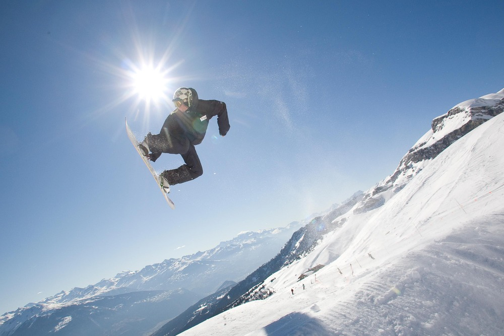 Snowboarder at Crans Montana, SUI