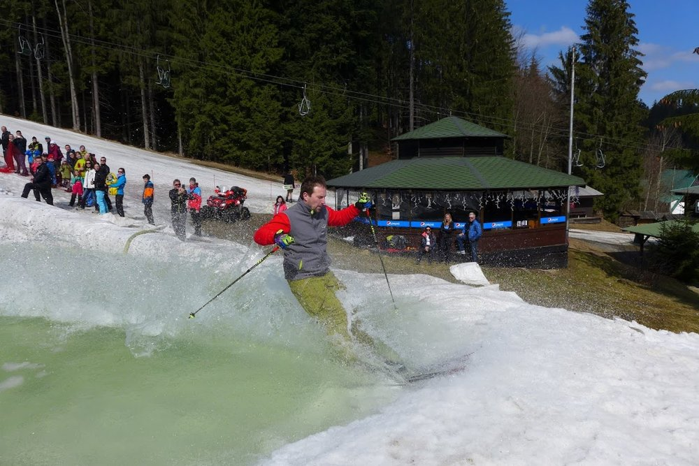 Spring Splash 2016 in czech Ski Park Gruň - ©Michal Bočvarov