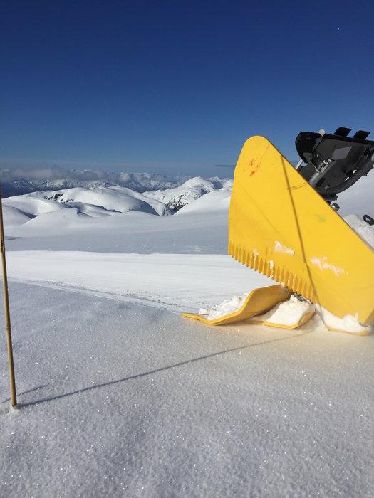 Preppemaskinen har ikke tatt ferie enda. Det er fortsatt vinterlig i fjellet.  - ©Jarle Tor Åsebø