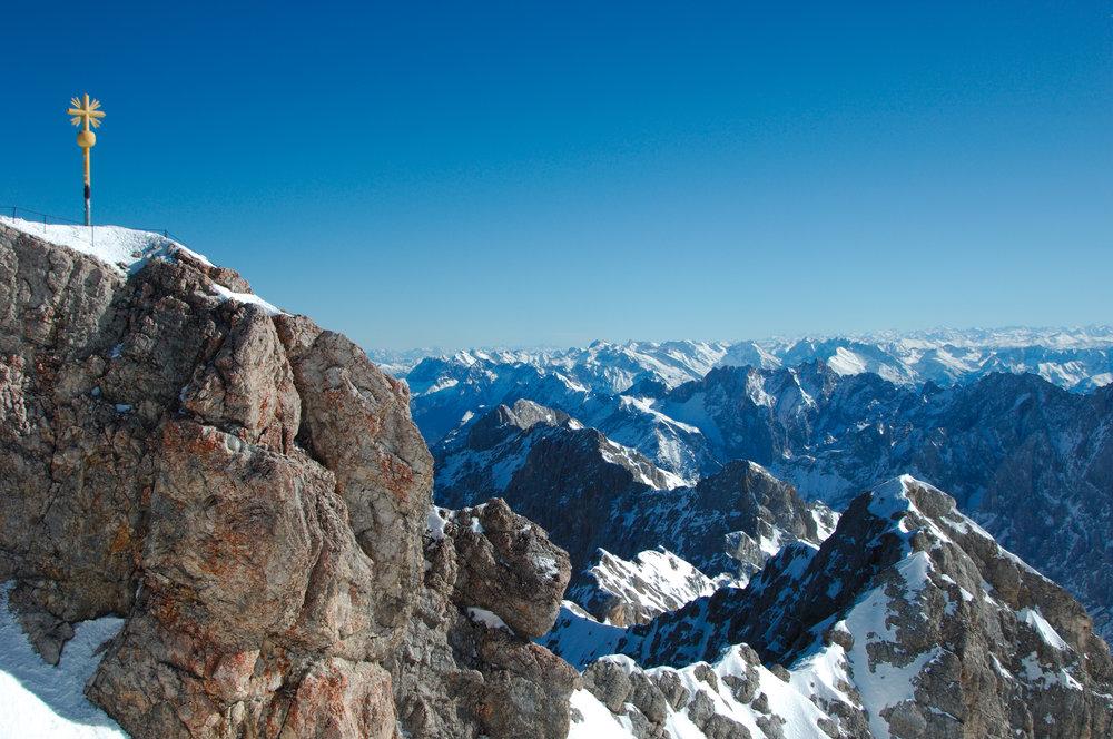 Panorama of Garmisch ski area - ©Garmisch