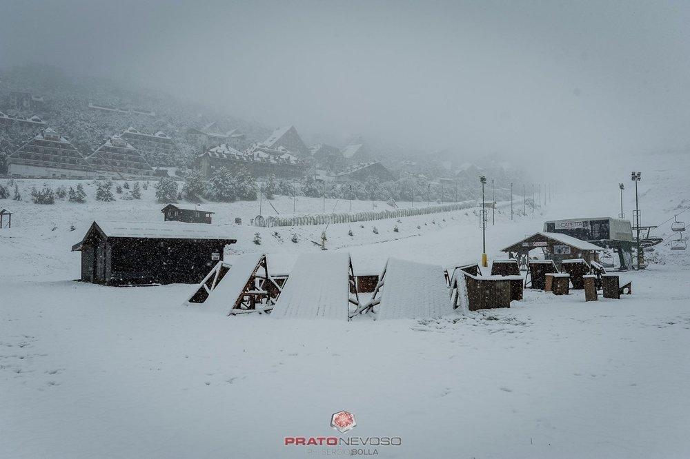 Prato Nevoso, nevicata in corso! 14.10.2016 - ©Sergio Bolla - Prato Nevoso Ski Facebook