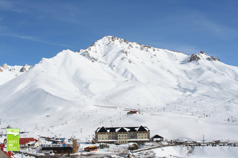 Push yourself to the limit on big mountain terrain in Las Lenas Ski Resort, Argentinien