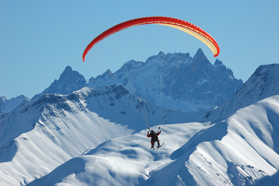 Paraskier over Les Sybelles, France