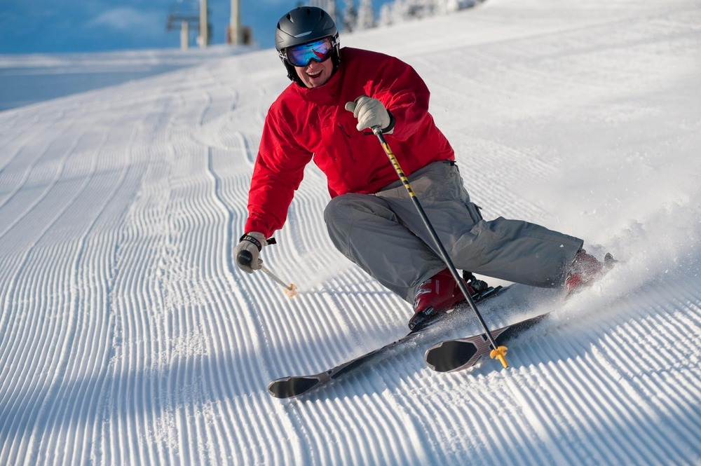 Earlybirds at Stratton get fresh tracks and the best deals of the season.