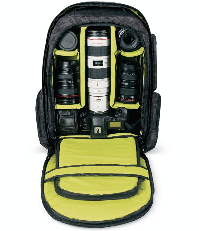 Camera gear fits nicely in the DAKINE 33l Photo Pack - ©DAKINE