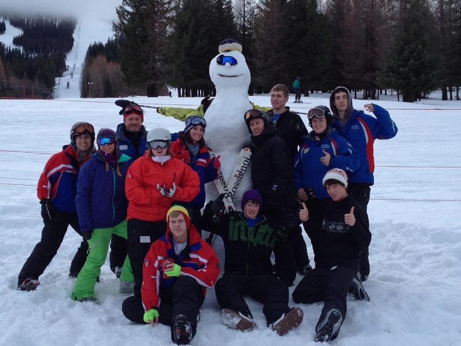Instructors at 49 Degrees North. Photo courtesy of Ski NW Rockies.