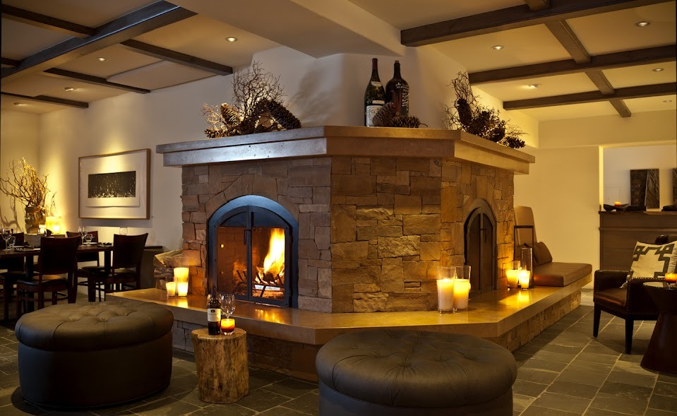 The lobby at the Knob Hill Inn - ©The Knob Hill Inn