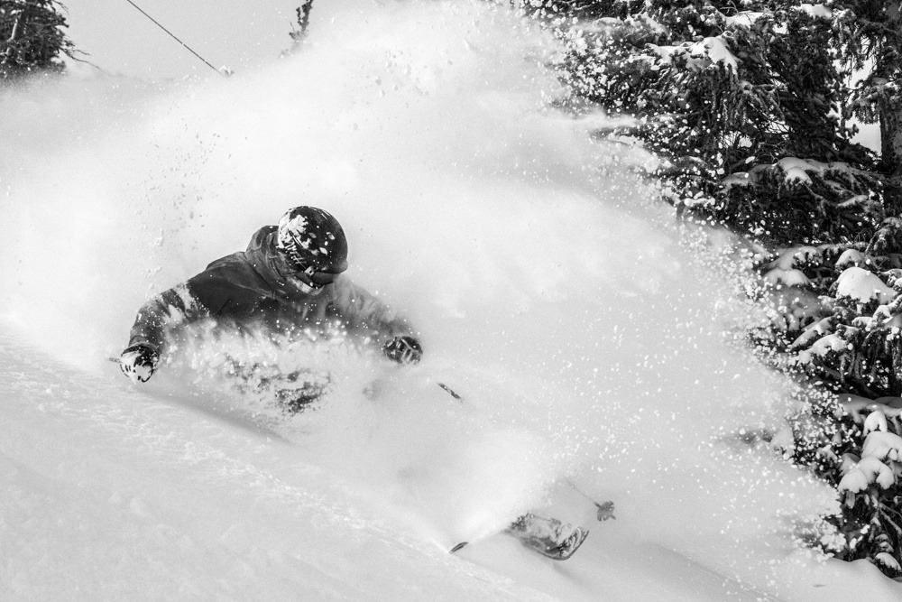 Rachael Burkes enjoying fresh powder. - ©Liam Doran