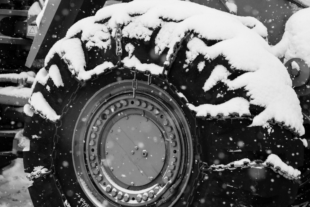 At Mt. Baker, you need tire chains. It snows, a lot. - ©Liam Doran