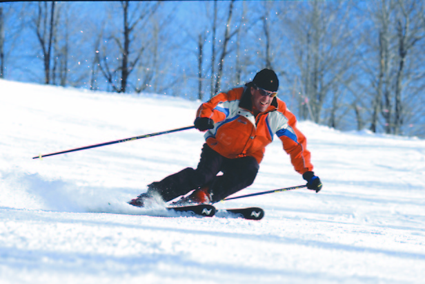 Crystal Mountain MI skier turn