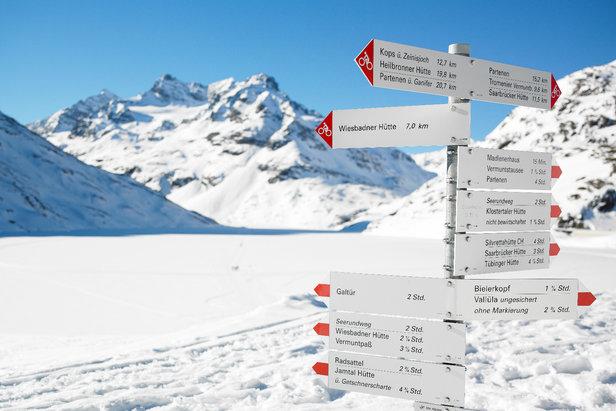 Am zugefrorenen Silvretta Stausee - ©Montafon Tourismus GmbH / Alexander Kaiser