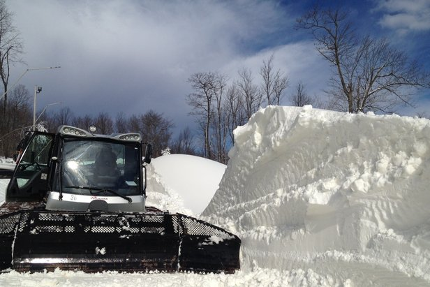 Snowcat nest to drift at Seven Springs - ©Seven Springs Mountain Resort