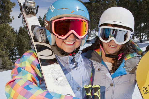 Girls enjoying a blue bird day at Snow Summit - ©Big Bear Mountain Resorts