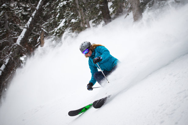 Testování dámských freeridových lyží v rámci Skitestu 2015 - ©Cody Downard Photography