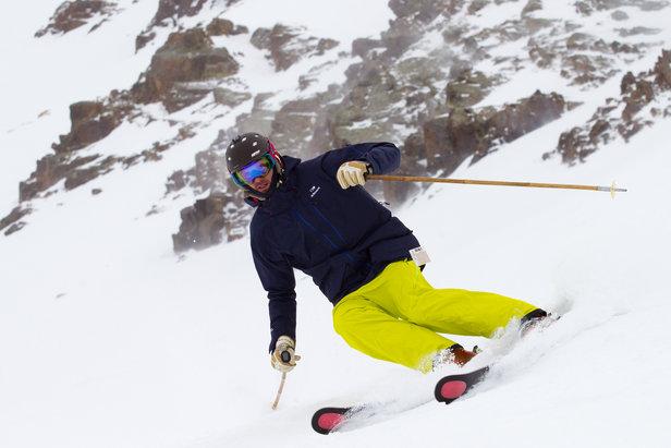 Európsky skitest All-mountain lyží - ©Cody Downard Photograhy
