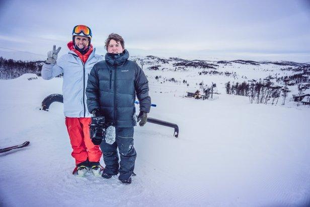 Legendariske freestylealpinist Jon Olsson kjørte i 20 timer for å komme til Vierli - ©Elisabeth Tellefsen