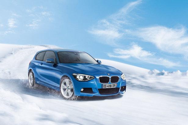 BMW XDrive Série 1 sur piste de ski