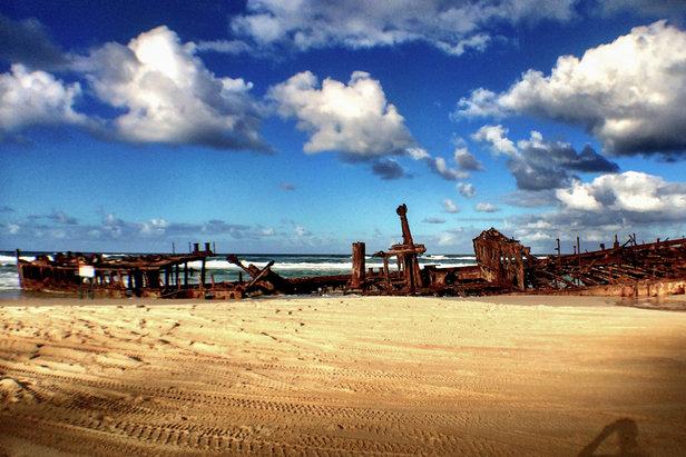 Das Maheno Schiffswrack. Einst gekentert, heute eine der Hauptattraktionen auf Fraser Island - ©Julia Mohr | Florian Reuter