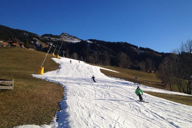 Skifahren auf Kunstschnee - ©DAV | Stefan Herbke