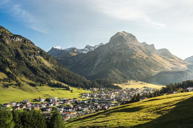 Zwischen Naturromantik, Wellness und köstlicher Kulinarik: Wie wär's mit einem verlängerten Wochenende am Arlberg? - ©Lech Zürs | Hanno Mackowitz
