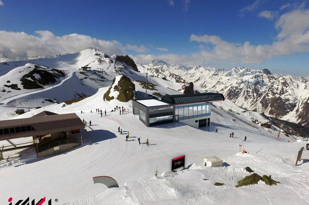 Nowe koleje linowe w Alpach: ośrodki narciarskie stawiają na większy komfort i przepustowość - ©TVB Paznaun - Ischgl