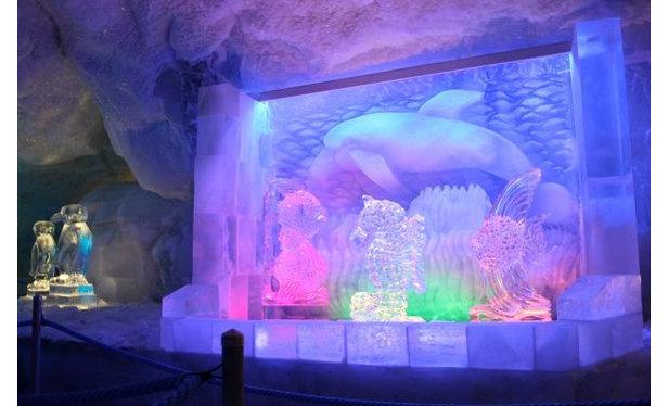 V Saas-Fee otevřeli ledový palác v 3500 metrech nad mořem - ©seilbahn.net