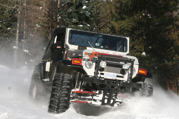131_0903_01_z+canada_snow_wheeling+4x4_toyota_land_cruiser