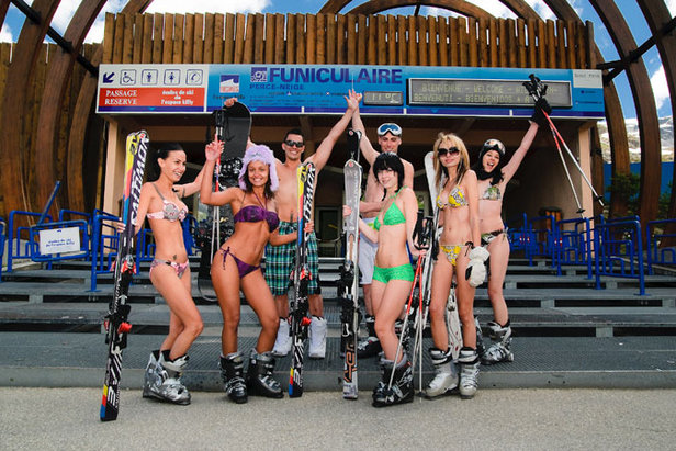 Tignes Bikini Ski June 09 Group