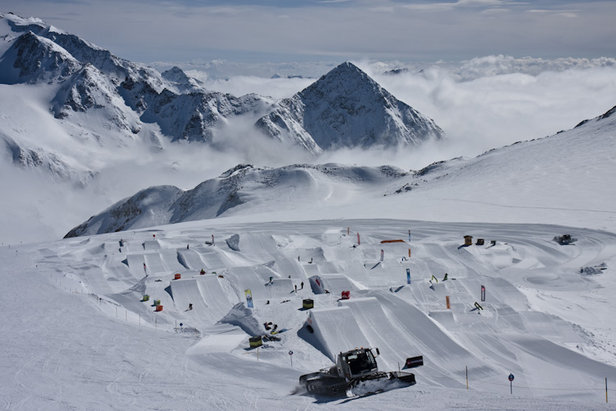 Stubai Zoo snowpark nearing completion