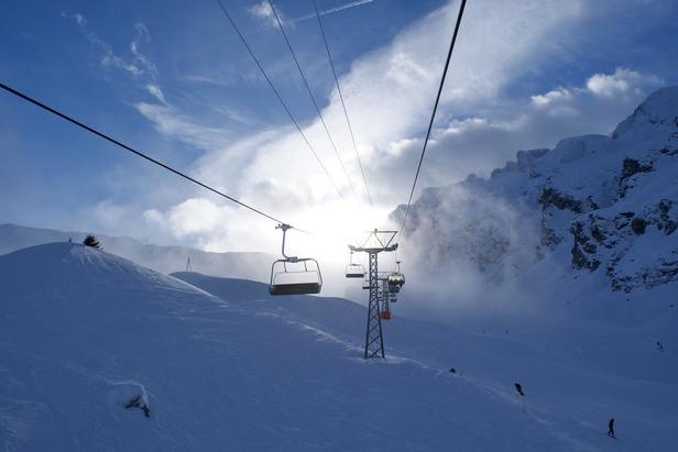 Sonne, Wolken, Berge ... und tolle Pisten - ©Gernot Schweigkofler