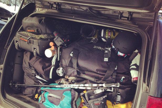 Met de auto op wintersport: zorg ervoor dat je alle noodzakelijke dingen bij je hebt - ©Tim Shisler