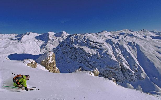 Excellentes conditions d'enneigement sur les Alpes comme ici sur les pentes de Val d'Isère - ©A. Royer / OT de Val d'Isère