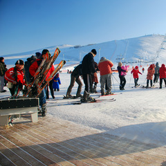 Skifahren im Sky Resort in Boghd Khan (Mongolei) - ©Christoph Schrahe