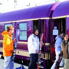 Mit dem Zug auf die Piste - ©Schnee-Express