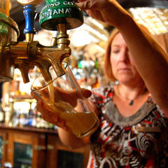 Beer Pour - ©Michel Tallichet