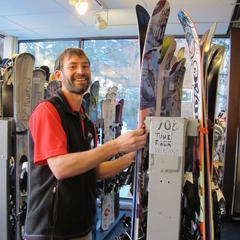 The awesome staff at Vail Sports/V21 got our boots and bindings tech'd up each day.