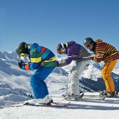 Le plaisir de la glisse ne doit pas faire oublier les bonnes règles de conduites à adopter sur les domaines skiables... - ©© grafikplusfoto - Fotolia.com