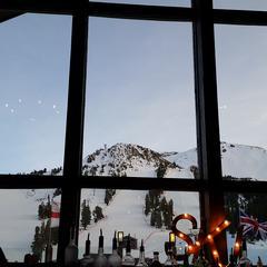 Dry Creek Bar at Mammoth Mountain Inn - ©Heather B. Fried