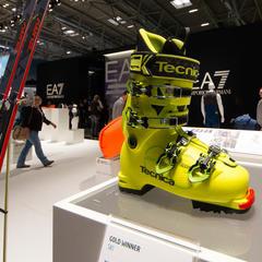 Tecnica Zero G Guide Pre 130 je kombináciou ski-tourovej a lyžiarskej obuvi a váži menej ako 1500 gramov. Od poroty ISPO získala zlatú medailu. - ©Skiinfo