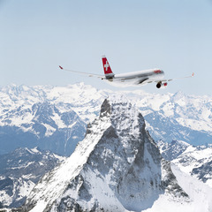 Ski airlines: Avoid the fees when flying with skis