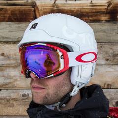 Der Oakley MOD 5 Helm im Skiinfo-Test - ©Skiinfo