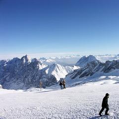 Auf der Zugspitze liegen inzwischen zwei Meter Schnee. - ©Mike Schneider