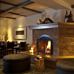 The lobby at the Knob Hill Inn
