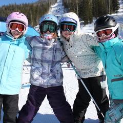 Kids_Ski Revelstoke