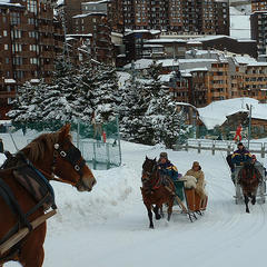 Take a horse-drawn taxi around town in Avoriaz