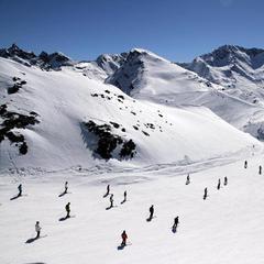 Blue skies and plenty of snow in Les Menuires. Jan. 4, 2013 - ©Les Menuires