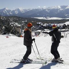 Neige au soleil sont au rendez-vous sur le domaine skiable de Font-Romeu - ©planetecampus.com