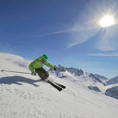 Sonnenskilauf in Lech Zürs am Arlberg