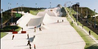 The UK's dry ski slopes ©Halifax Ski & Snowboard Centre